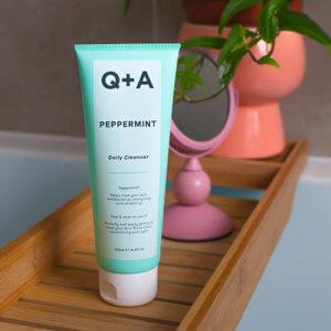 Очищающий гель для лица с мятой Q+A Peppermint Daily Cleanser